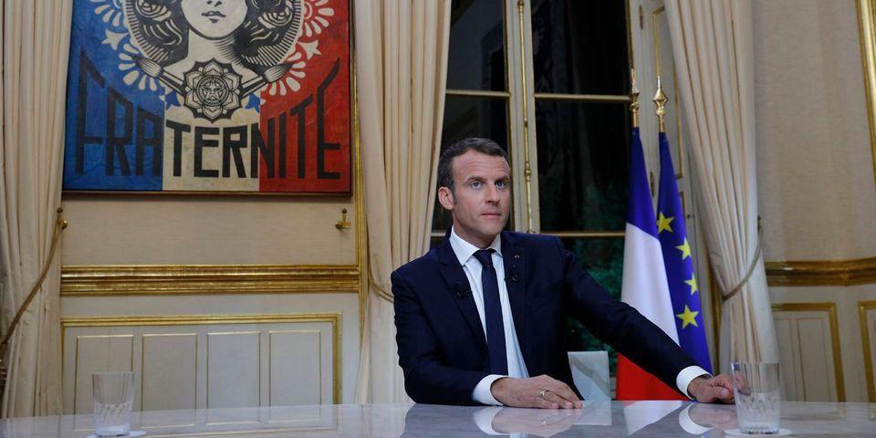 """Emmanuel """"maître des horloges"""" Macron veut maintenant """"figer le temps"""" pour que vous compreniez son action"""