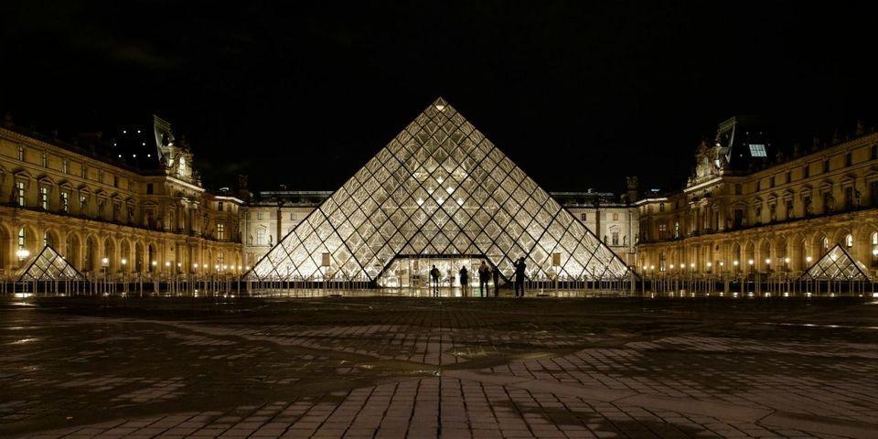 En cas de victoire à la présidentielle, Emmanuel Macron la fêtera devant la pyramide du Louvre