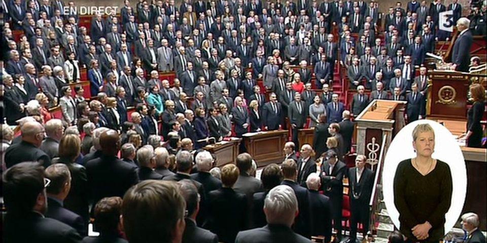 En hommage aux victimes des attentats, les députés entonnent la Marseillaise dans l'hémicycle après une minute de silence