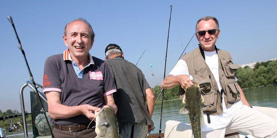 """En plein remaniement, Gérard Collomb part """"à la pêche au brochet"""""""