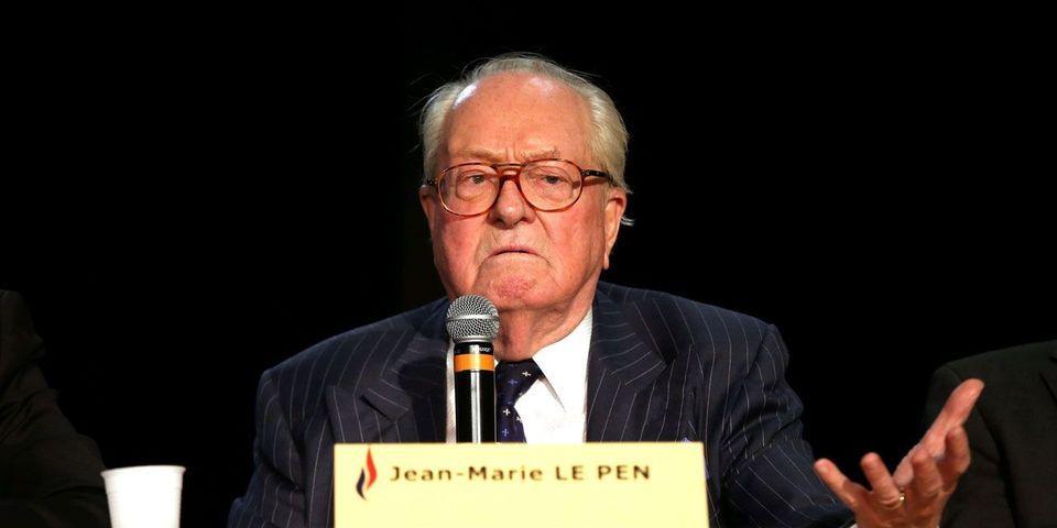 """""""Fournée"""" d'artistes : Jean-Marie Le Pen fustige la """"pensée unique"""" et la """"faute politique"""" des dirigeants du FN"""