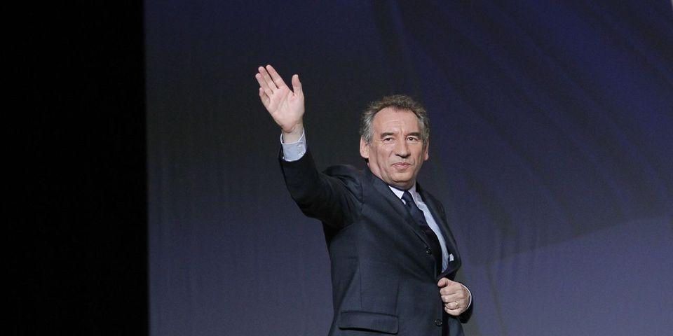 François Bayrou annule l'inauguration d'une allée Bernard Hinault à Pau car le cycliste est toujours vivant
