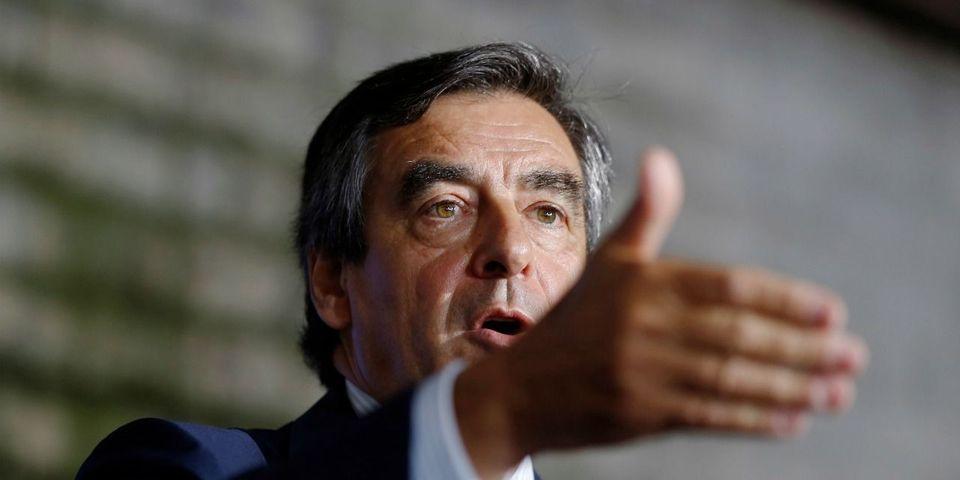 """François Fillon assure que son programme """"peut permettre d'atteindre le plein emploi"""""""
