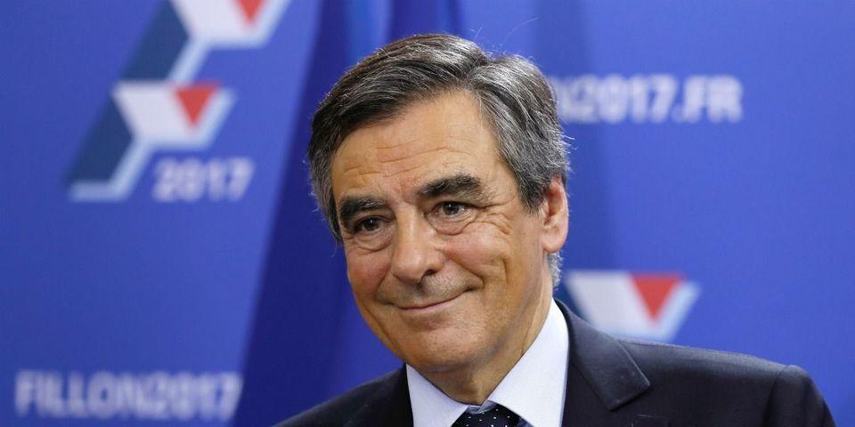 François Fillon ne reviendra pas sur le non-cumul des mandats, assure Bernard Accoyer