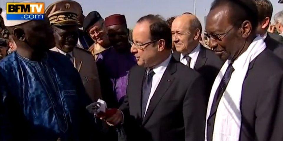 """François Hollande, à propos de BFMTV : """"Vous n'êtes pas pire que les autres !"""""""