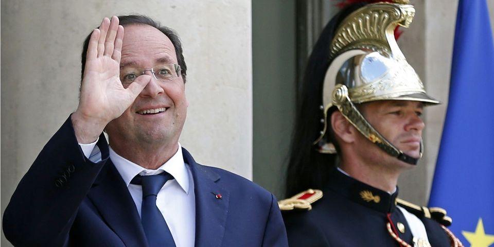 François Hollande compare à demi-mot sa popularité à celle de l'Équipe de France