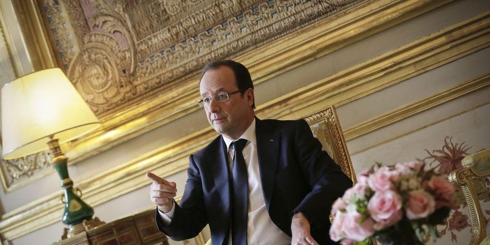 """François Hollande ouvre une """"permanence"""" à l'Élysée pour recevoir les Français"""