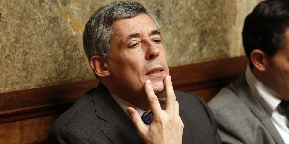 Cité par l'Express, Henri Guaino ne veut pas d'Alain Juppé candidat en 2017, mais dément ces propos