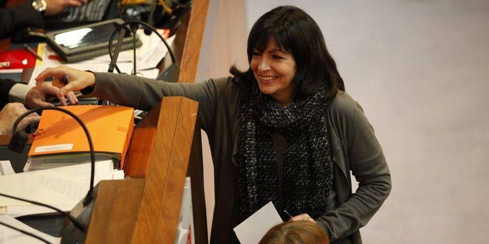 Hidalgo présente sa campagne devant des élus et militants parisiens