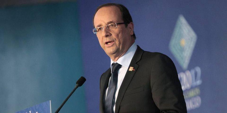 Hollande a gardé son téléphone portable