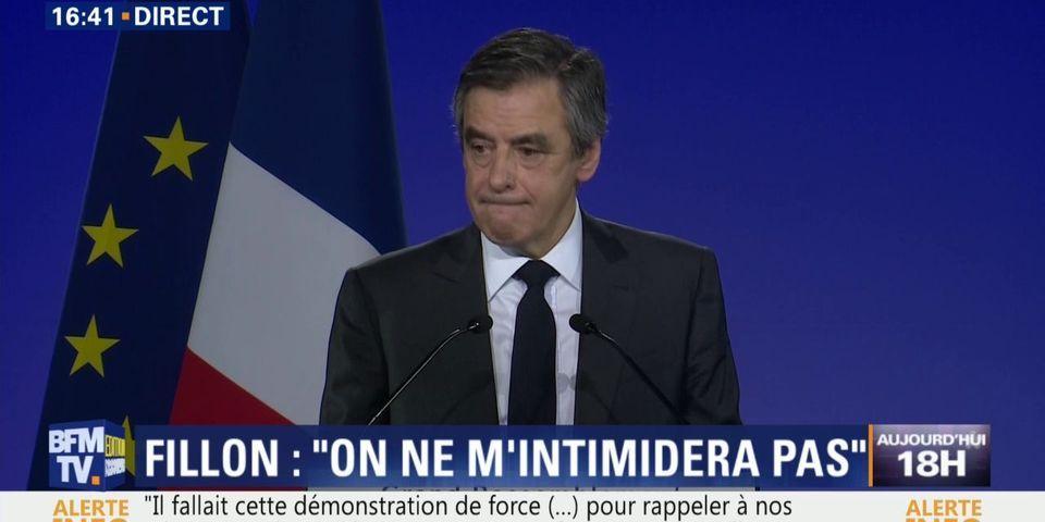 """Instant proche du peuple : François Fillon évoque son """"seul"""" compte en banque """"au Crédit agricole de Sablé-sur-Sarthe"""""""