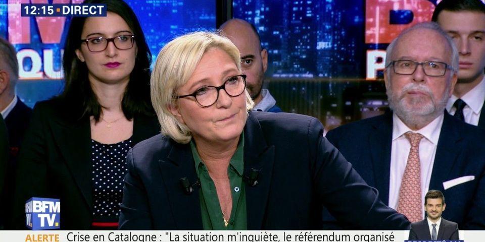 """""""Je ne suis pas le père Noël"""" : Le Pen y voit """"l'expression d'un mépris profond"""" de la part de Macron"""