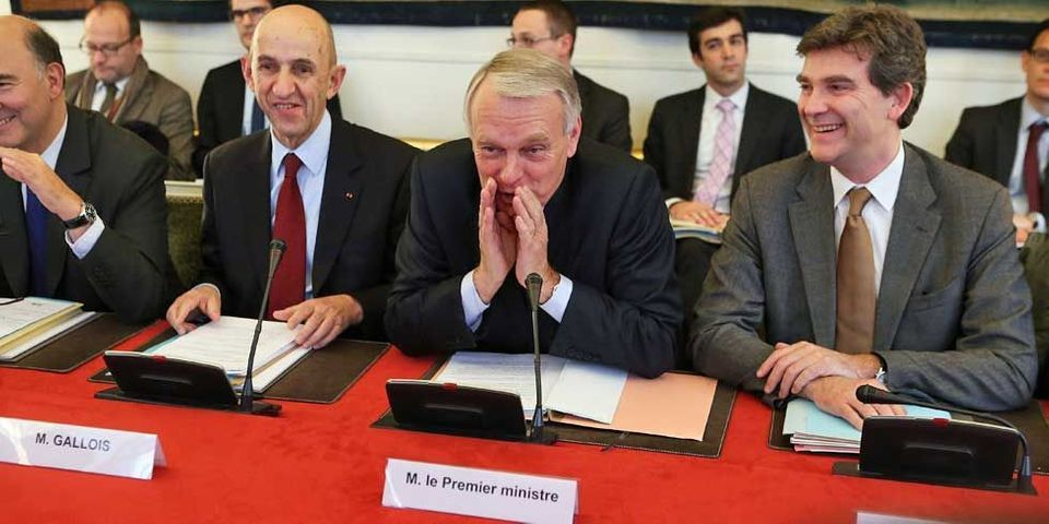 Jean-Marc Ayrault, ses ministres qui parlent, et la DCRI