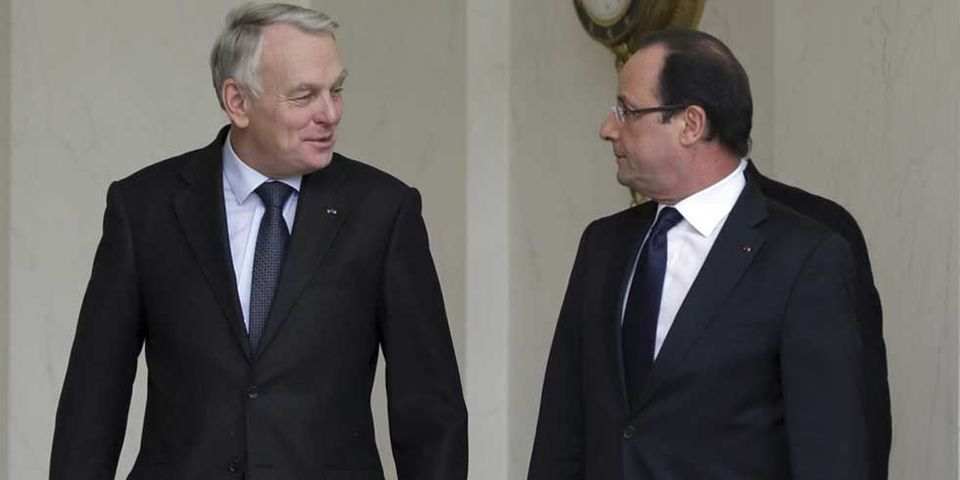 """Jean-Marc Ayrault veut """"assumer"""" d'être un Premier ministre """"socialiste"""""""