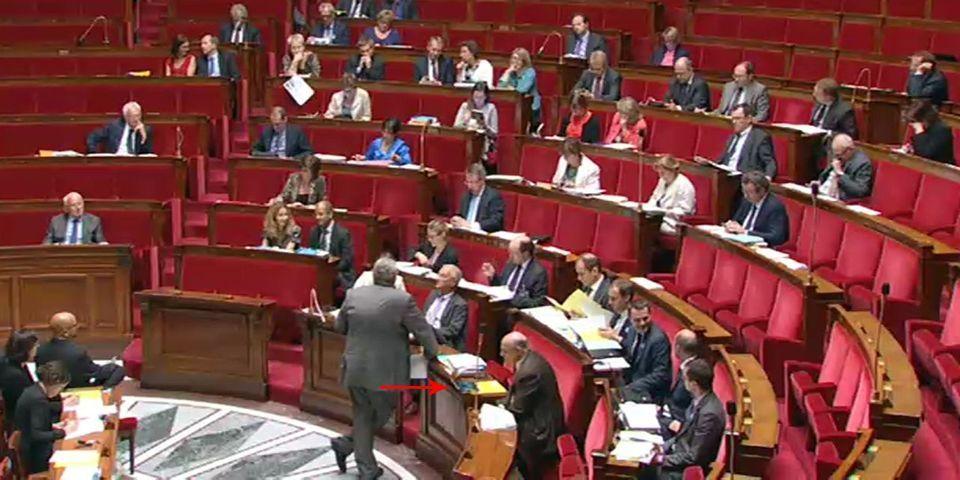 Jean-Marie Le Guen surpris en train de regarder France–Équateur en plein débat sur le projet de loi de finances rectificative