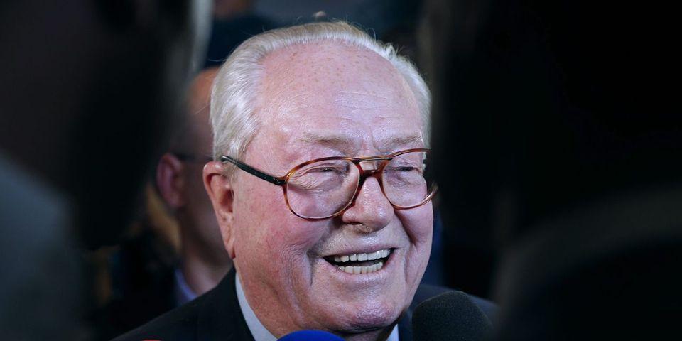 """Jean-Marie Le Pen répond à Gilbert Collard qui lui demande de prendre sa retraite : """"il devrait changer les consonnes de son nom"""""""