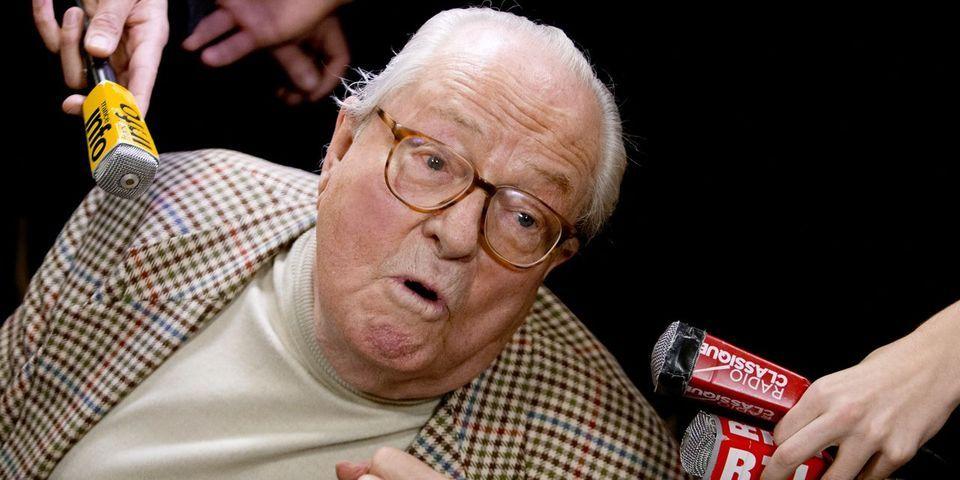 Jean-Marie Le Pen s'amuse après la défaite du FN lors de la départementale partielle dans l'Yonne