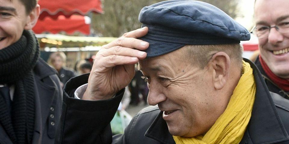 """Jean-Yves Le Drian explique que les Bretons """"ont compris"""" qu'il ne sera pas président de région mais ministre à plein temps"""