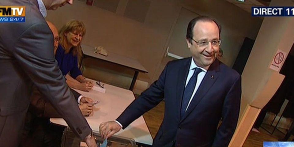 Municipales: journée de vote pour François Hollande à Tulle, de l'arrivée au bureau à l'urne
