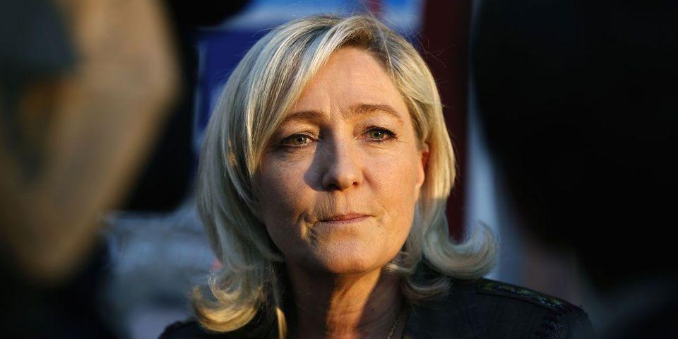 L'indépendantiste britannique Nigel Farage repousse les avances de Marine Le Pen en vue des européennes