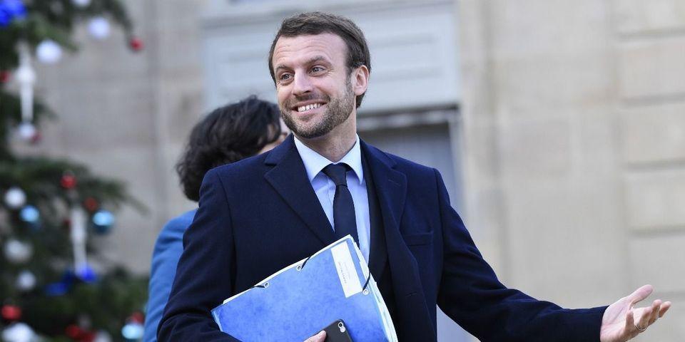 """La blague de Bernard Cazeneuve sur la barbe et la """"radicalisation"""" d'Emmanuel Macron"""