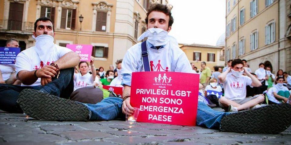 La manif pour tous créé une branche italienne et envoie ses militants manifester à Rome