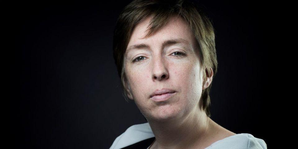 """La militante féministe Caroline De Haas """"propose"""" sa candidature aux législatives face à Myriam El Khomri"""