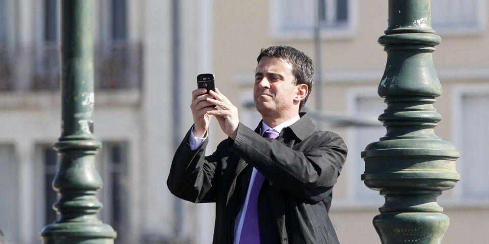 La petite allusion de Manuel Valls aux SMS de François Hollande et Valérie Trierweiler