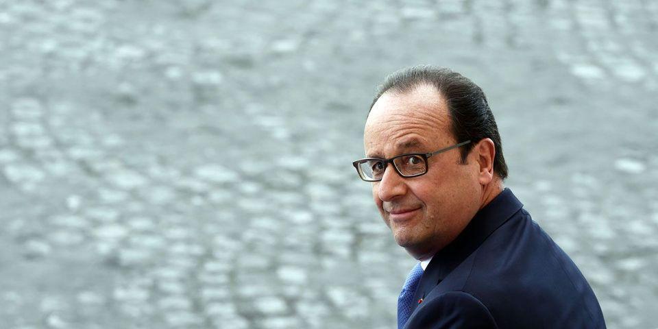 """La petite blague de Hollande aux pilotes sur le """"Charles-de-Gaulle"""" : """"Continuez à dire du bien des Rafale"""""""