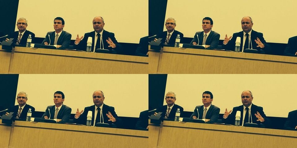 La préchauffe de Manuel Valls devant les députés PS avant le vote de confiance