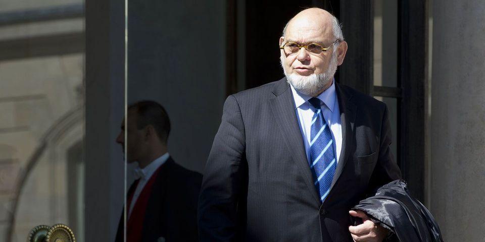 Laurent Fabius recase l'ancien patron du PCF Robert Hue pour une mission sur l'Afrique du Sud