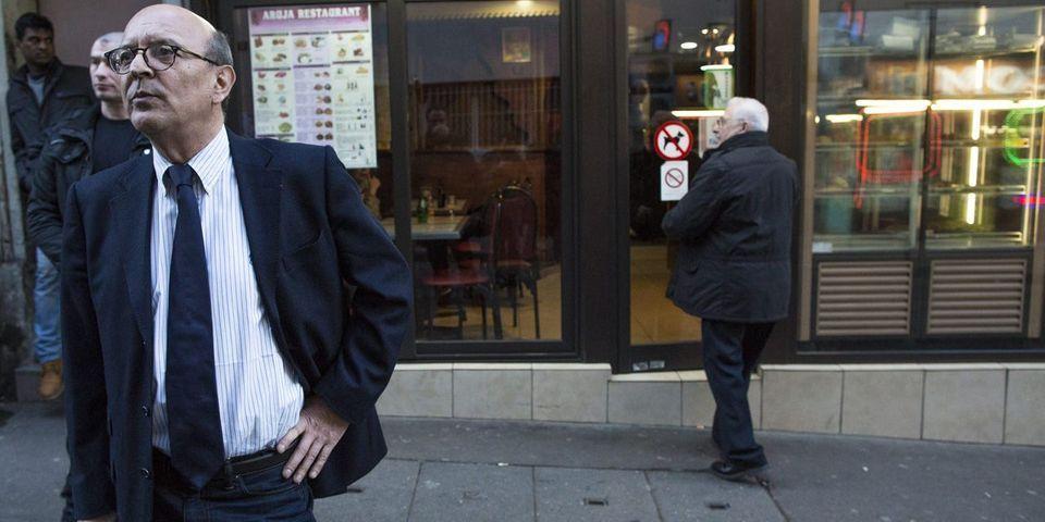 Le chef de cabinet de Marine Le Pen fait des petites fiches sur les journalistes
