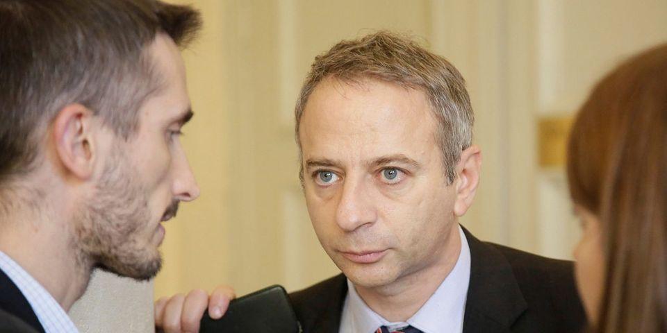 """Le député socialiste Laurent Baumel dénonce les """"erreurs d'appréciation du prince"""" Hollande"""
