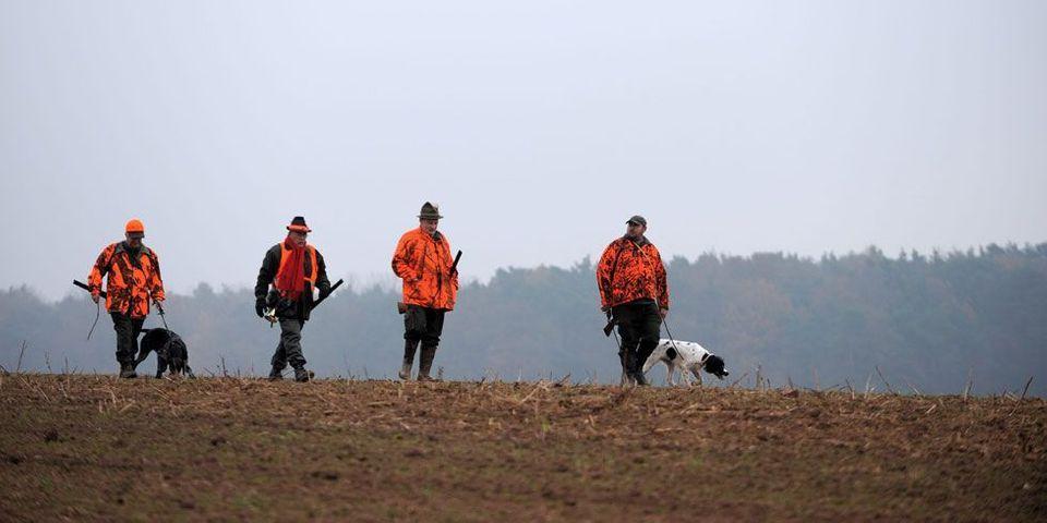 Le FN cajole les chasseurs