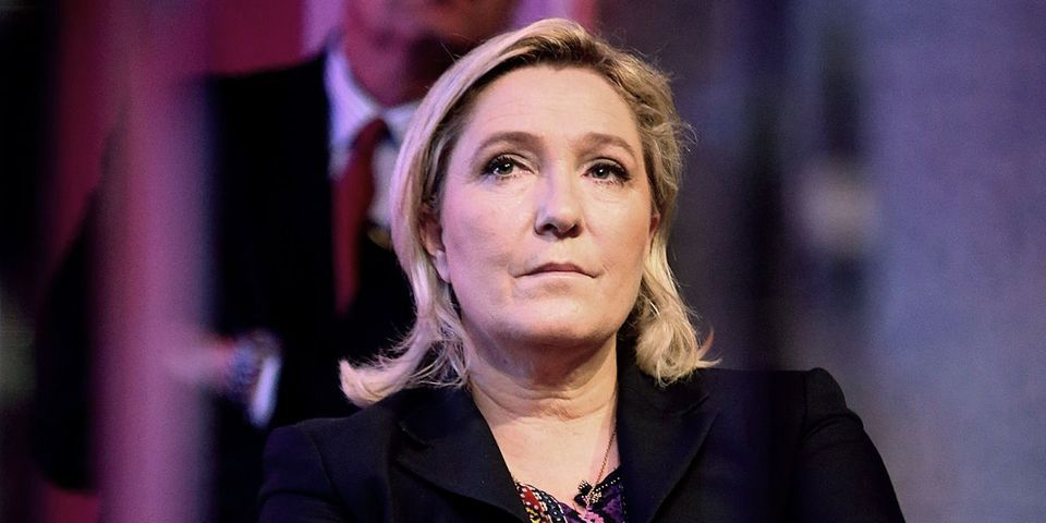 Le FN polémique sur le refus de la famille de Johnny Hallyday de voir Marine Le Pen participer à l'hommage au chanteur