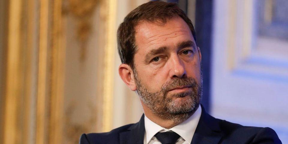 """Le lapsus de Castaner qui promet que les Français verront, dès 2018, """"une augmentation de leur feuille d'impôts"""""""
