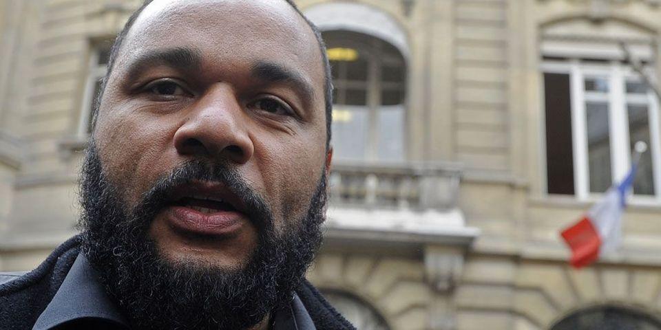 """Le ministère de l'Intérieur cherche à interdire les """"réunions publiques"""" de Dieudonné"""