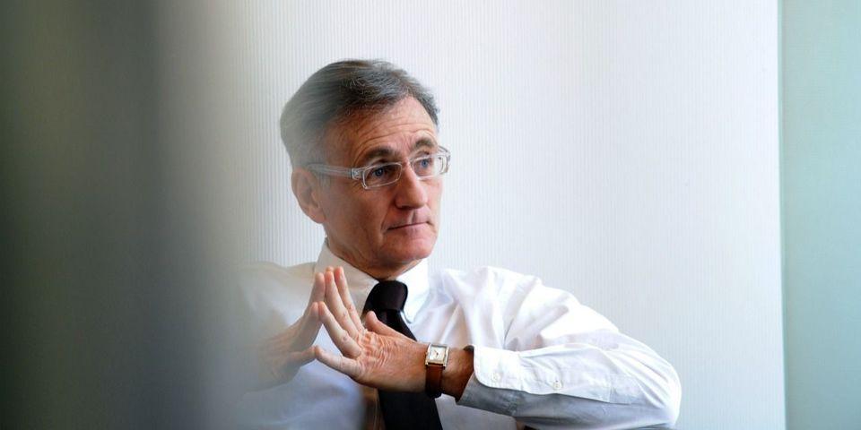 Le secrétaire d'État à la Francophonie André Vallini s'insurge contre les chansons en anglais choisies par la France pour l'Eurovision et l'Euro 2016