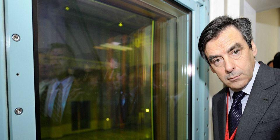 """Les 17 plus beaux moments """"et alors ?"""" de la campagne de François Fillon"""