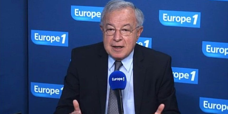 Les talents d'imitateur de l'eurodéputé UMP Alain Lamassoure, qui imite Valéry Giscard d'Estaing