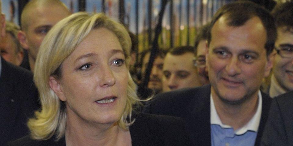"""Louis Aliot défend Marine Le Pen taxée de """"déménageur"""" par Nicolas Sarkozy"""