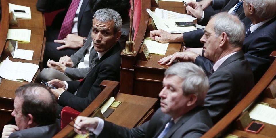 Malek Boutih souhaite le départ du Premier ministre : le groupe socialiste fait bloc derrière Jean-Marc Ayrault