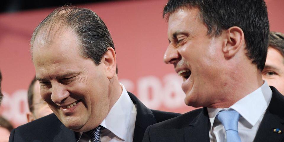 Manuel Valls et Jean-Christophe Cambadélis se chauffent avec des militants des MJS