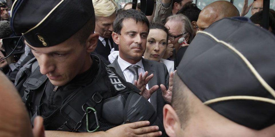 """Manuel Valls prône l'expulsion des Roms et juge """"illusoire"""" leur insertion"""
