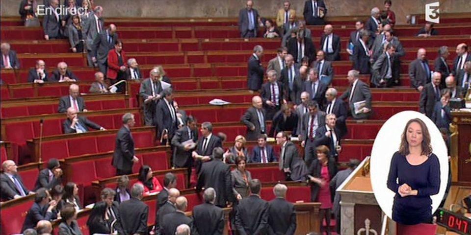 Manuel Valls provoque un incident de séance à l'Assemblée en apostrophant le député UMP Goasguen
