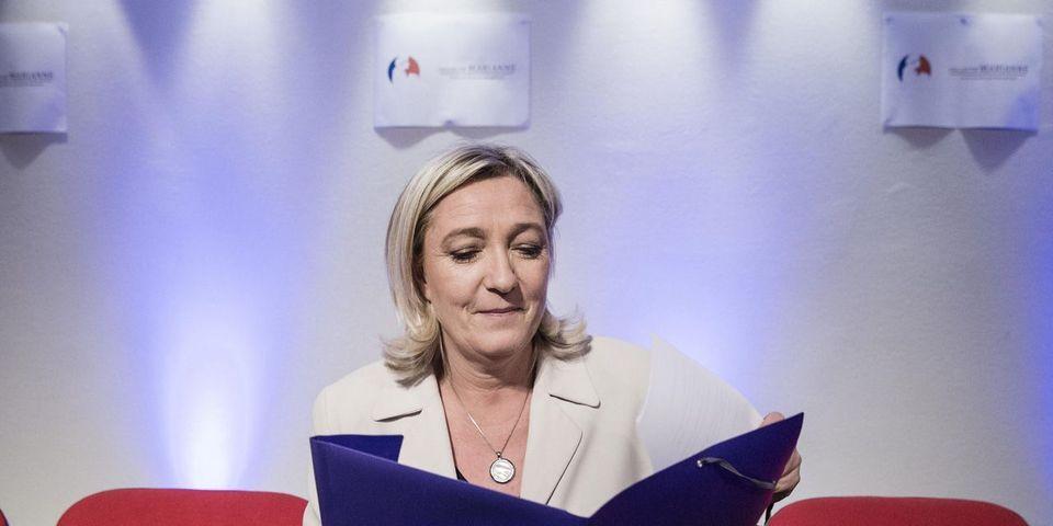 """Vidéo : Marine Le Pen accuse Christiane Taubira d'avoir """"pris des cours de terrorisme"""""""