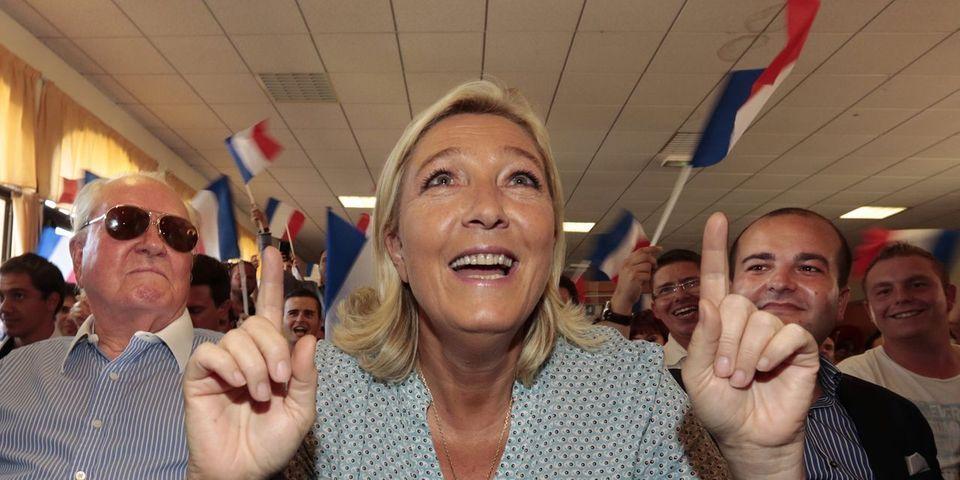 Marine Le Pen défend le cumul des mandats des sénateurs-maires FN David Rachline et  Stéphane Ravier