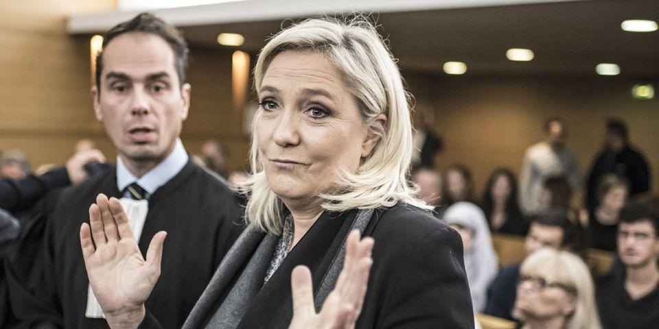 """Marine Le Pen salue la victoire des Bleus alors qu'elle n'aime pas le football, mais dénonce les politiques qui font de la """"récupération"""""""