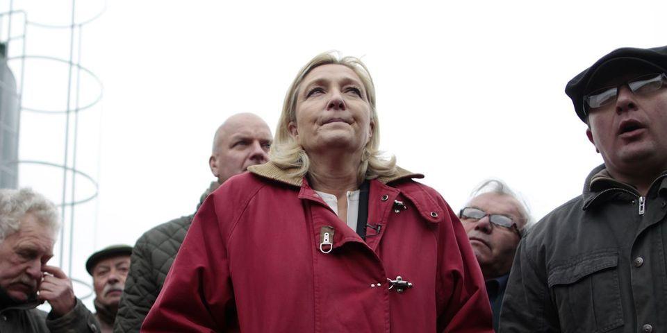 Marine Le Pen veut garder le nom du Front national à cause de Nicolas Sarkozy