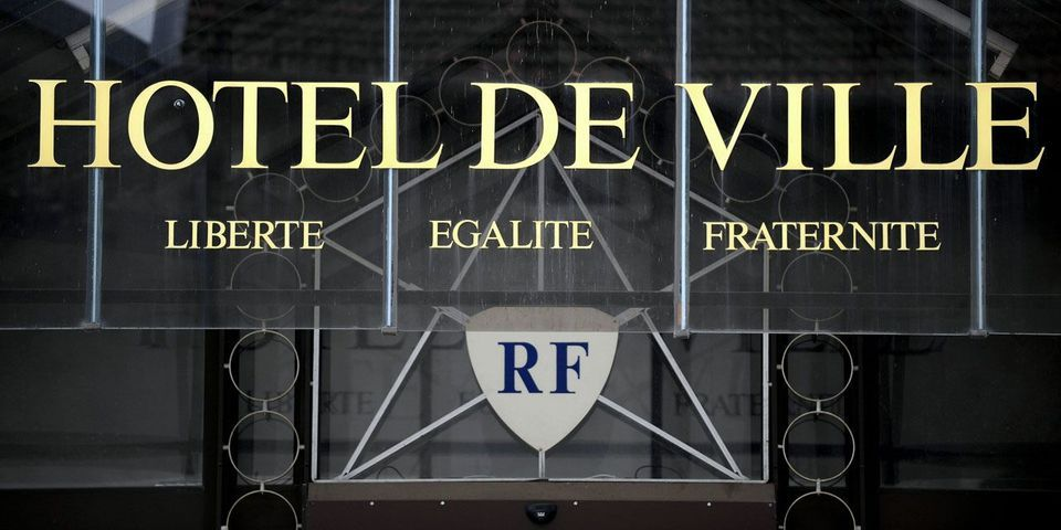 Municipales : à Fontainebleau, une liste d'union UMP-PS se présente face aux divisions de l'UMP